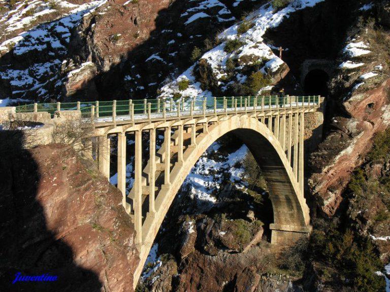 La construction du pont de la mariée