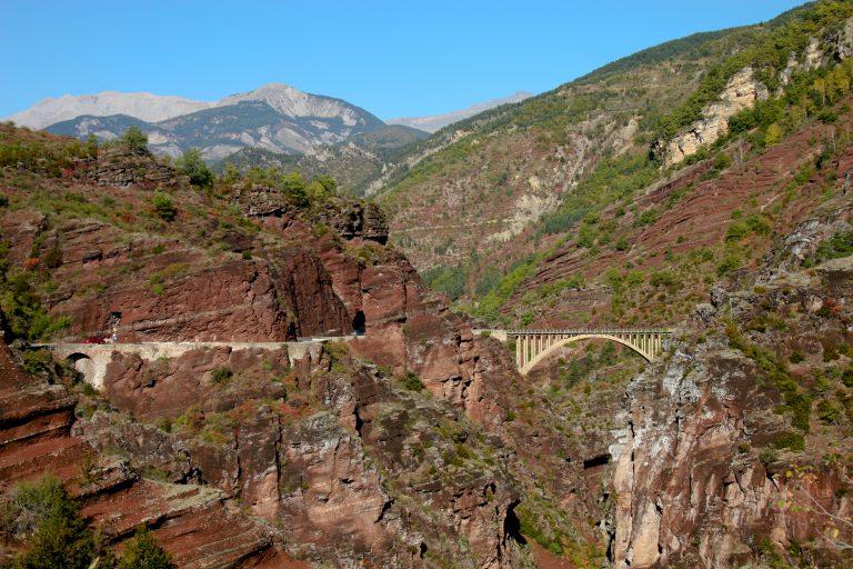 La Réserve Naturelle Régionale des Gorges Rouges de Daluis (communes de Daluis et Guillaumes)